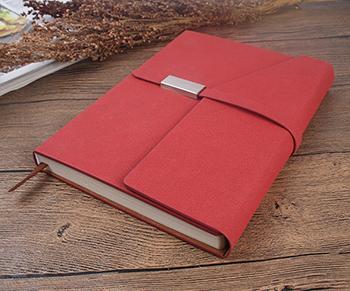红色书写记事本